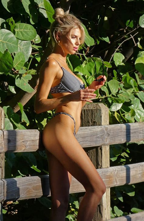 Charlotte McKinney Sexy (30 Photos)   #TheFappening