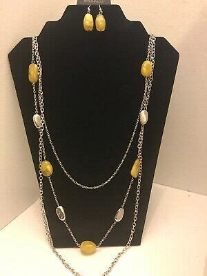 Brand New Paparazzi~Vacay Mode Necklace & Matching Earring